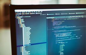 Anvisa simplifica o processo de regularização de softwares médicos e abre Tomada Pública